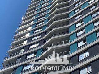 Centru! 2 camere + living de lux în inima orașului! 82 mp!