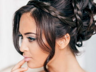 Makeup stylist + hair stylist