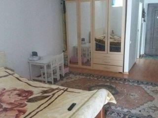 Urgent. Stauceni apartament in casa noua. Transport.