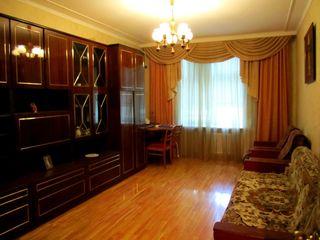Продам 3-х комнатную квартиру в самом центре города Болгарская 31 Августа на 3 этаже