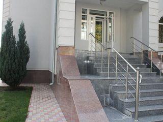 Casa + bazin + sauna la Buiucani-  950 euro