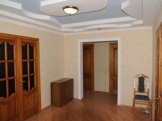 Коммерческая + Жилая площадь = 100 m2