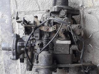 Pese ford tronsit motor 2.5 pauc cutie de viteze cu 5 trepte ,most ,faruri ,aparatura