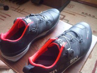 Five Ten kestrel team black (Велосипедные кроссовки) Новые