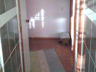 Срочно продается благоустроенная 2х комнатная квартира в Кетросу уч.хоз