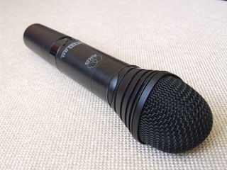 Vind radiomicrofon profesional AKG WMS 80 in stare perfecta