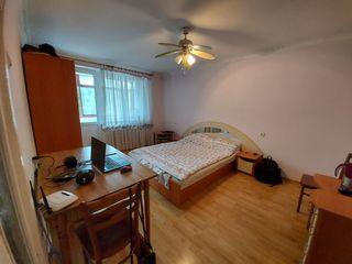 Ofer apartament în chirie cu 2 odăi Sculeni   !