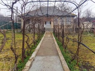Se vinde casă, în Cojușna! Centru!