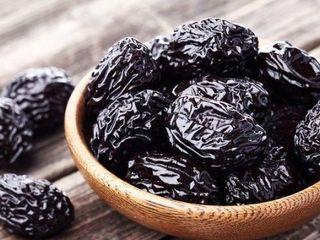 Vand prune uscate! Продам чернослив высшего качества! Dried prunes for sale!