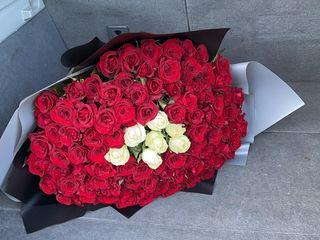 51 trandafiri doar 500 lei
