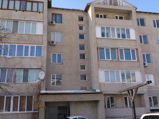 se vinde apartament cu 2 odai La Floresti!
