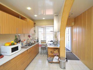 Casă spre vânzare, încălzire autonomă, str. Bulgară, 84000 € !