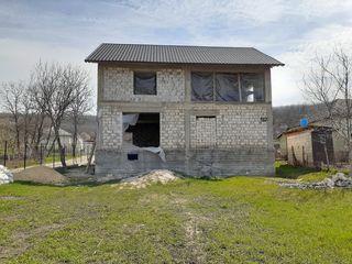 Vand casa pe pamant langa Chisinau