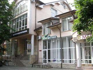 Сдается в аренду офисные помещения: 95 кв.м. в центре по ул.В.Микле.