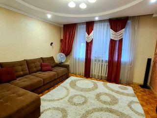 Apartament superb cu amplasare centrala, 3 odai, pentru o familie, pe termen lung. 300€