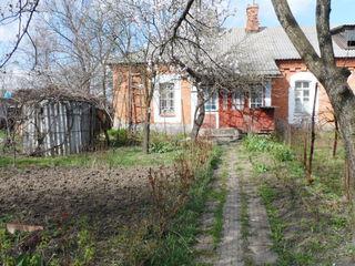 Продаётся 2-комнатная квартира на земле в г.Окница