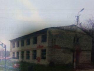 Spatiu comercial in 2 nivele in centrul satului Mascauti, in preajma stincilor de la Orheiul Vechi