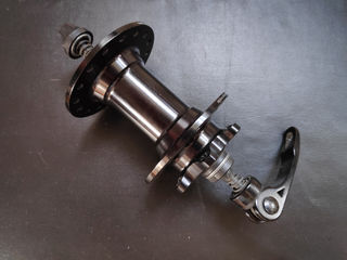 Generic QR Front Hub - 110 x 9mm (eccentric)