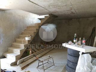 Buiucani - Townhouse - 3 nivele - 130 m.p - Constructie de cotilet -  (Subsol+terasa) - Pret Nou !!!