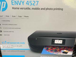 HP Envy 4527 .3 в 1 . WI-FI