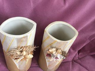 2 оригинальные вазы для цветов, 350 лей за обе.  Другая, которая одна на фото-150 лей.