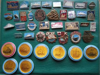 5 рублей 1987 год и серия значков и знаков Корабли