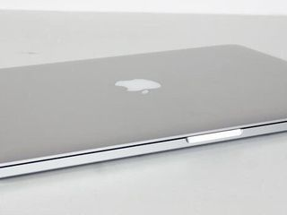 "Apple MacBook Pro 13.3""  model : Early  2011 года  Custom аппарат в отличном состоянии 390 eu"