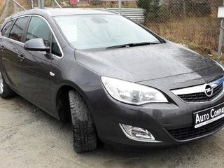 Opel Astra J  Piese !!!!
