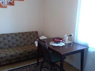 продам 3-х комнатную квартиру с большой лоджией в самом центре напротив здания администрации