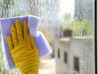 Мою окна, убираю после ремонта.