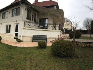 Продам новый дом 190м2 -гратиешты  7 сот земли-собственник