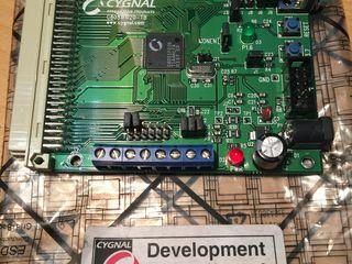 Стартовую плату для изучения микроконтроллеров C8051F020 фирмы Silicon Laboratories