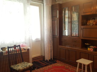 De vinzare apartament cu 3 odai,15 Mcr., Cahul