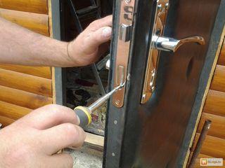 Schimbarea lacatelor, broastei, reparatie, inlocuire cilindru. Замена замков, ремонт, врезка.