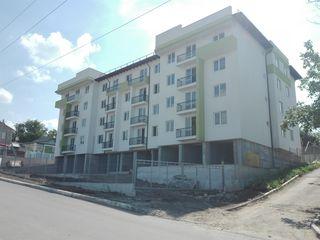 Новострой. 1-комнатная кв-ра 50 кв.м., 1/4 в центре г. Яловень по ул. Тигина. Цена: 26 000 евро.
