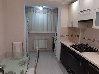 Urgent se vinde apartament cu trei odăi în sectorul Buiucani!