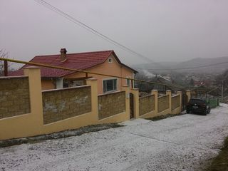 Casa 120 m.p,Hincesti,Centru,euroreparatie!!!