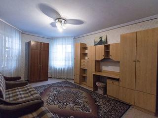 Oferim spre vînzare apartament cu 5 odăi, 107 m2, str. Ismail, sect. Centru.