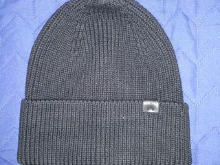 Продам шапку черную унисекс