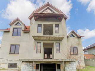 Se vinde urgent casă cu un proiect reuşit, amplasat în s. Colonița!