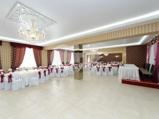 Afacere activă, restaurant, 573 mp, Peresecina, reparație euro, 360000 € !