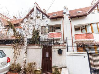 Vânzare, TownHouse, str. Ip. Soroceanu, 260 mp, 164900 €