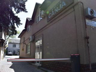 Vinzare imobil comercial Centru, str.M. Banulescu-Bodoni  prima linie 140 m.p. la prețul de 190000Eu
