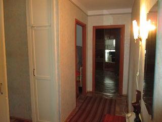 сдаётся 3-х комнатная меблированная квартира в г. Бендеры.