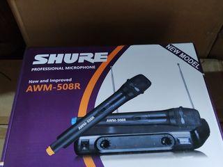 """Baza cu 2 Microfoane ,,Shure"""" fara fir  40 euro !!!"""