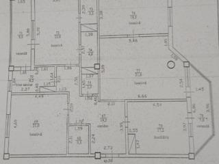Меняю большую квартитру в новострое на Рышкановке на дом  на две квартиры поменьше!