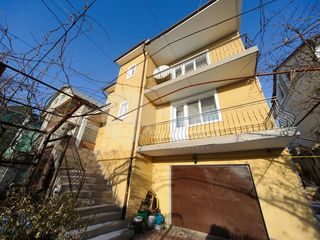 Casă cu 3 nivele, Poșta Veche. 288 mp. 220000 € !