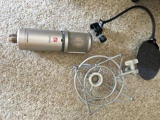 Микрофон sE Electronics Z3300A  (с звуковым экраном)