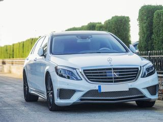 Reducere! 16-19 septembrie: Mercedes S Class W222 AMG Long S65 alb (nr. MBS 1) - 25 €/oră, 149 €/zi