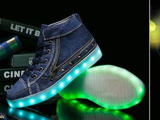 Хит сезона! Кроссовки с LED подсветкой!